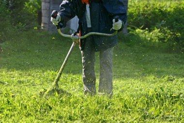 Grass trimmer works