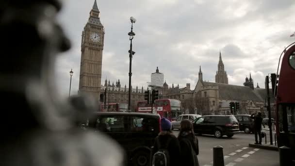 hohen Verkehrsaufkommens auf Parlament Square london