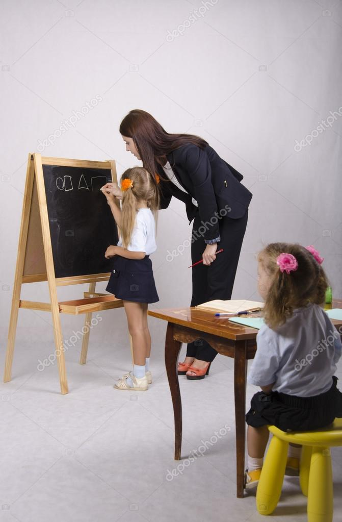Фото-сперма видео как парень нарисовал девушку у доски