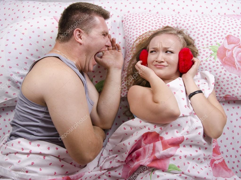 моя девушка не кричит в постеле