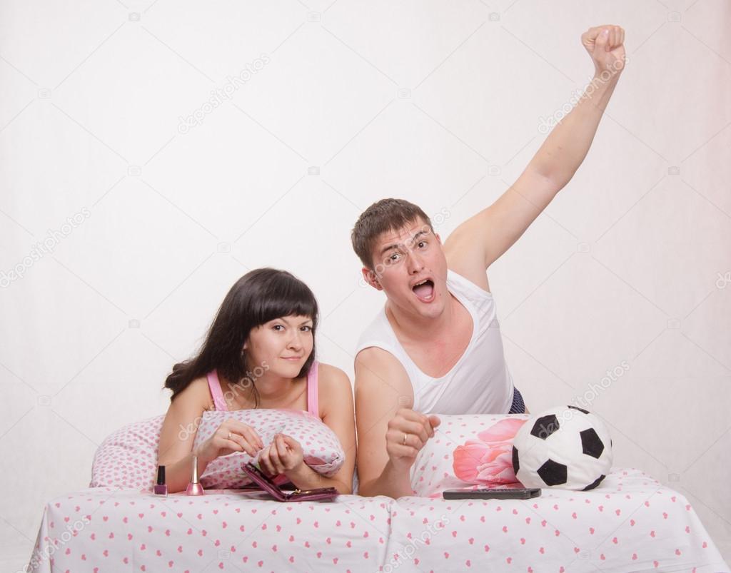 Смотреть муж и жена в постели фото 159-303