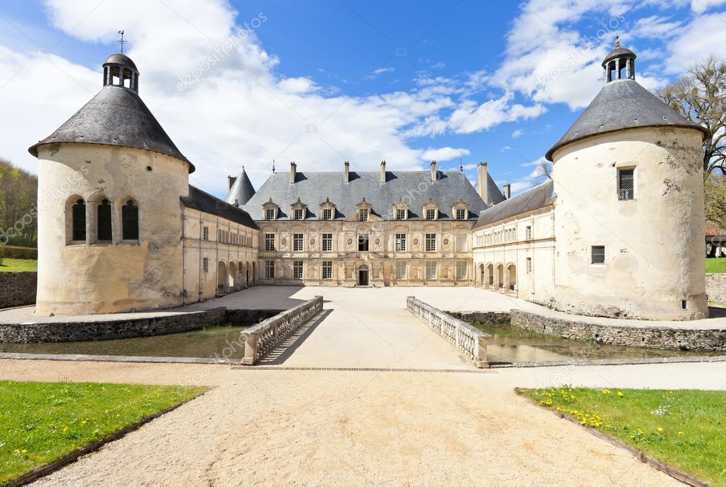 Chateau francese di bussy rabutin in borgogna francia for Disegni di casa chateau francese