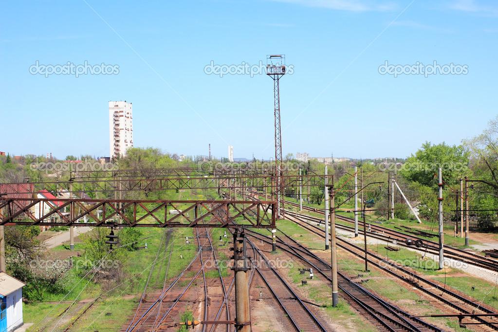 Eisenbahn Bett Am Rande Der Stadt Stockfoto C Bagira262626 45824741