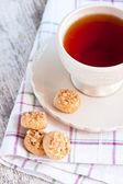 čaj a pečivo