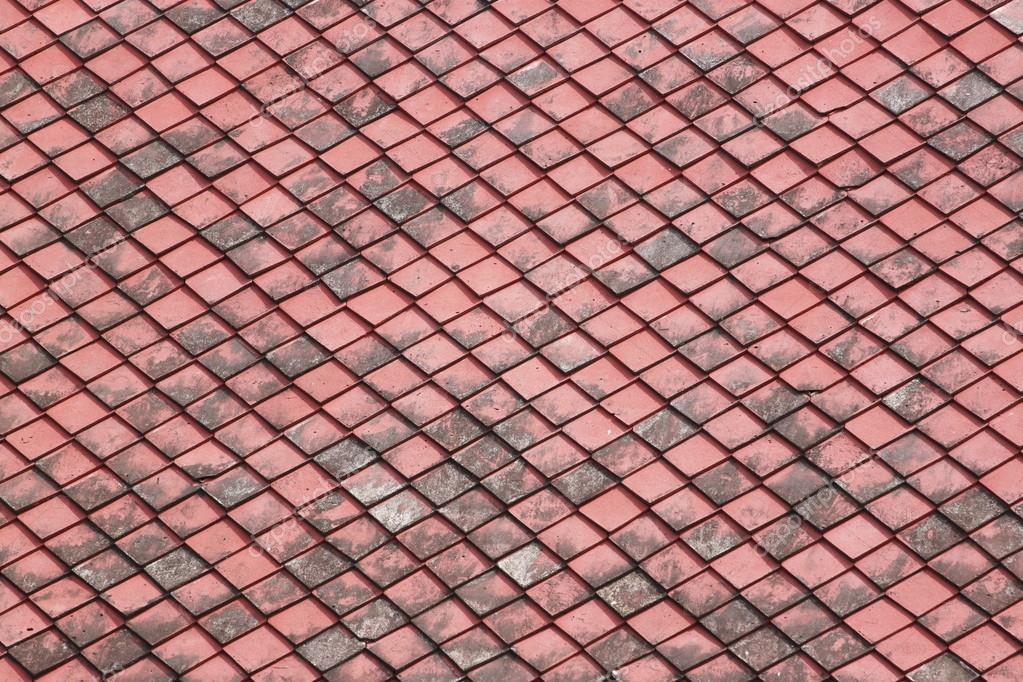 Rode oude tegels dak u stockfoto meepoohyaphoto
