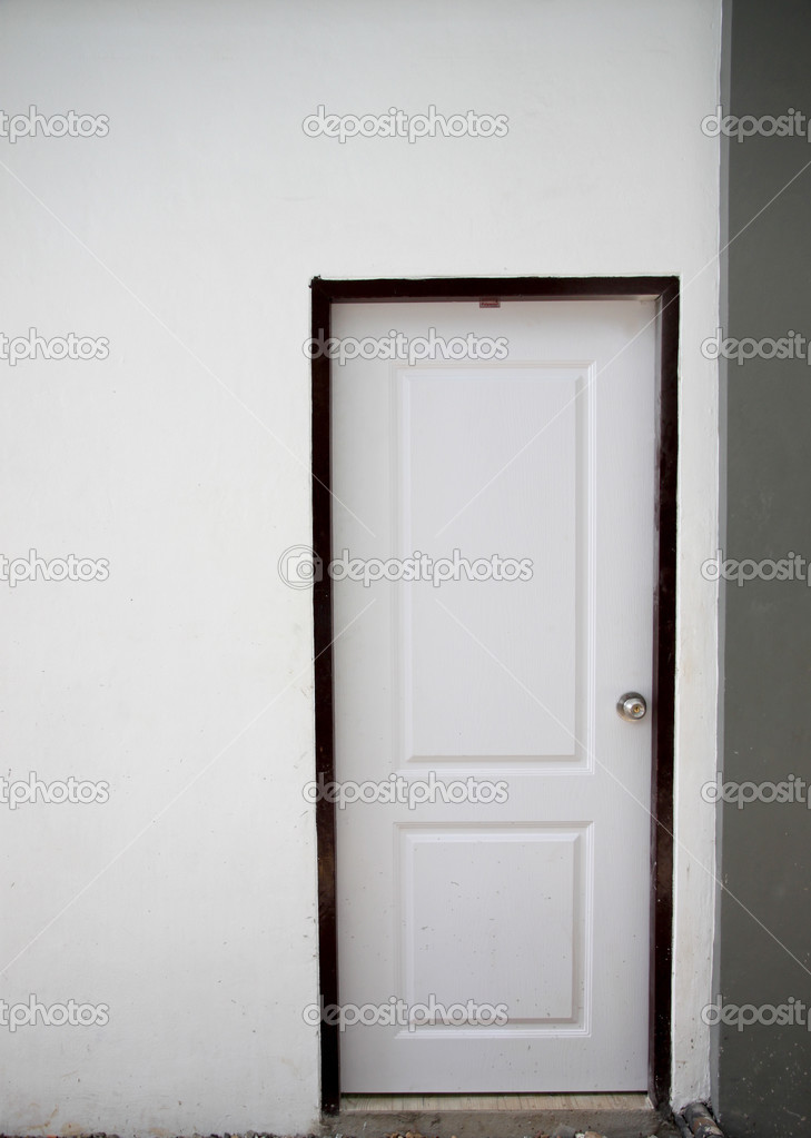 bianchi porte per interni — Foto Stock © meepoohyaphoto #48010485
