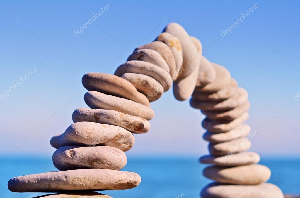 Bend of stones