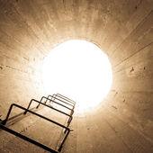 Fotografia luce alla fine del tunnel