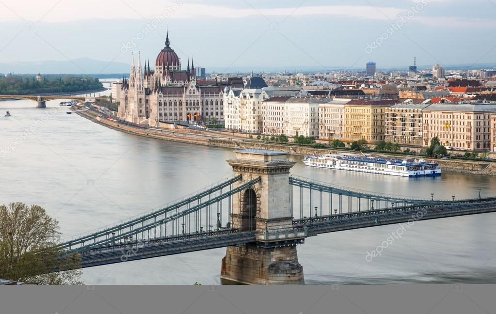 budapest chatrooms Book budapest accommodation in one room find budapest apartment for one person don't stay in hotel room but choose a private room.