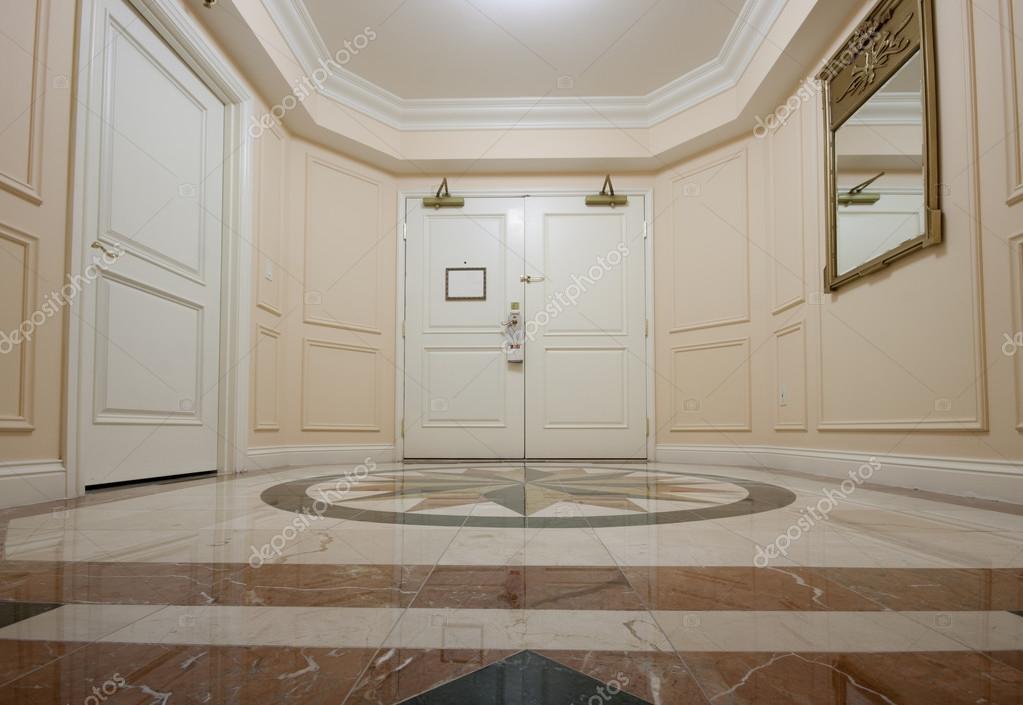 Antec mara com piso de m rmore duplo porta e mosaico - Piso porta 2000 ...