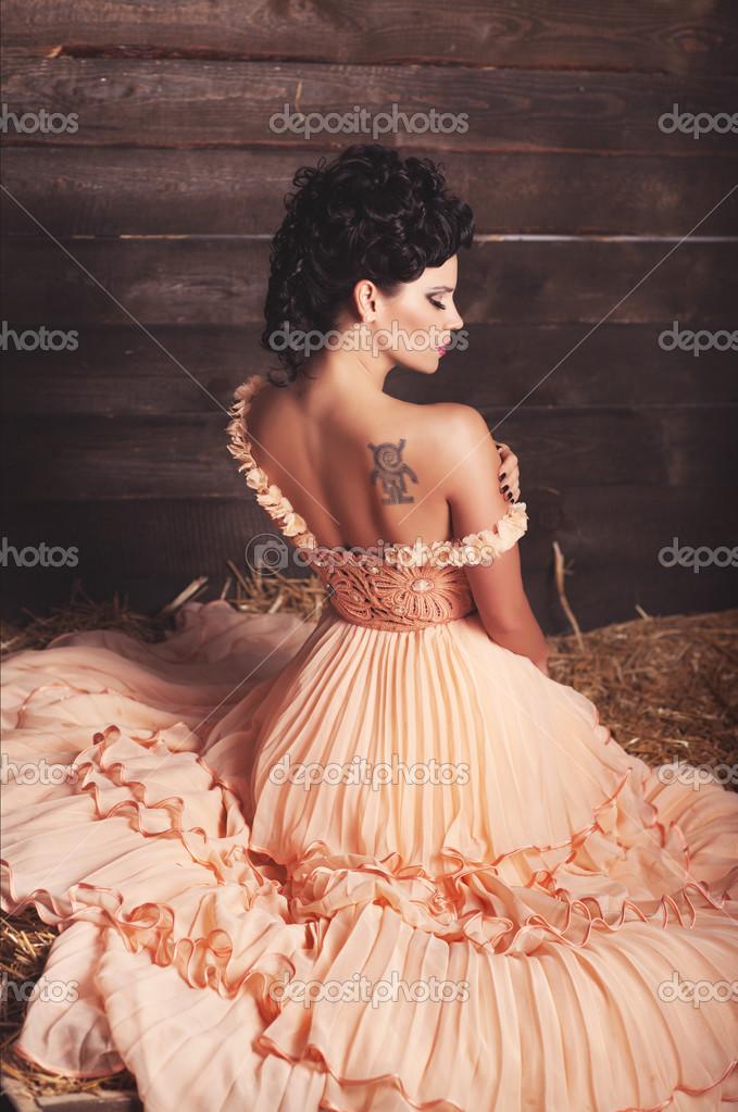 Hermosa Novia Vestido De Novia Vintage Sexy Chica En Vestido De