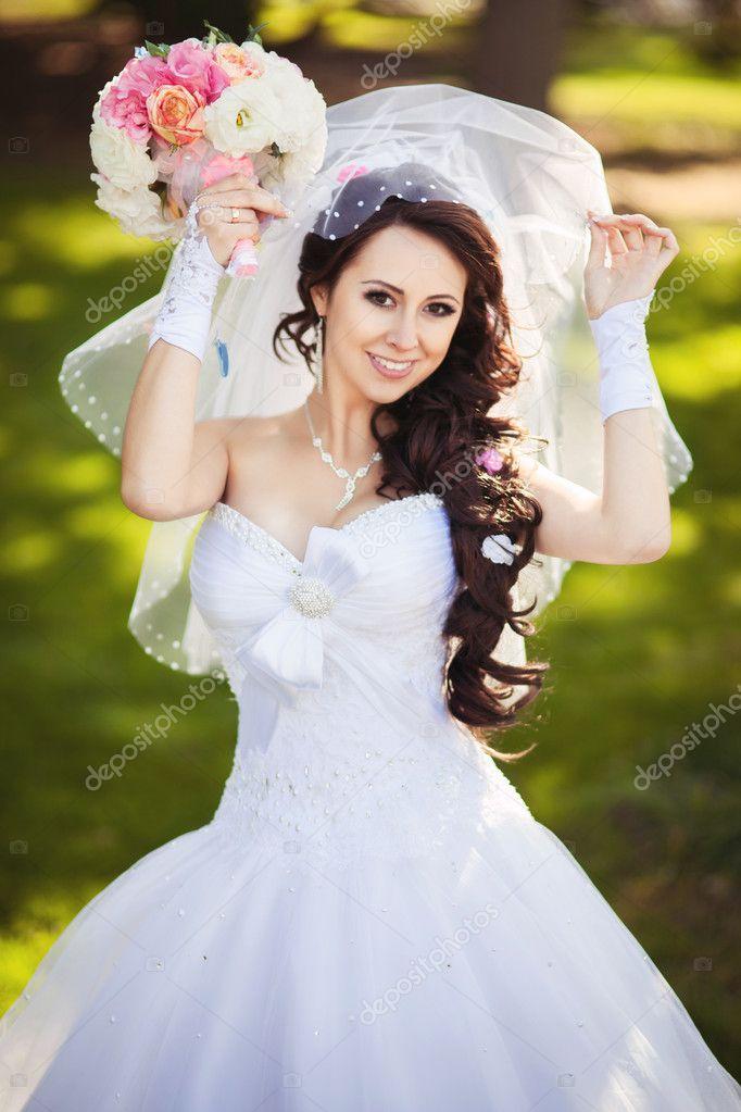 Букетик невесты белая вуаль 1