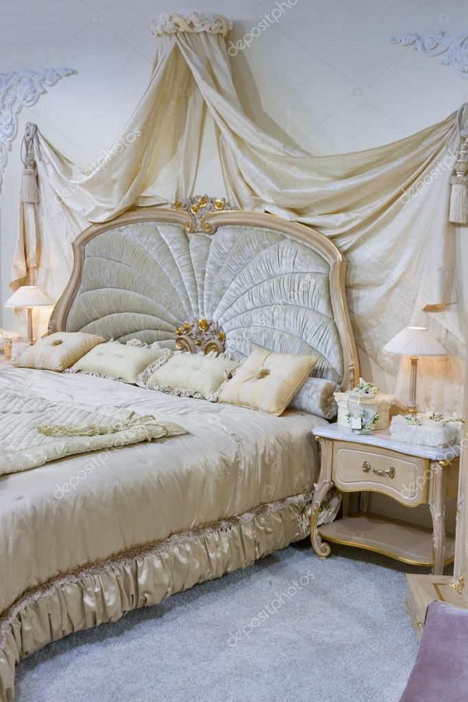 camera da letto barocco — Foto Stock © panama7 #24469293