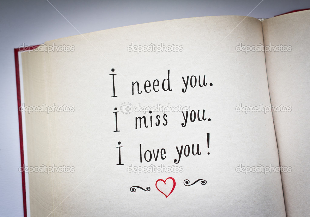 palabras dibujado a mano te necesito, te extraño, te amo en el libro ...