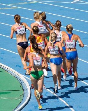 Women athletes at 3000 meter steeplechase