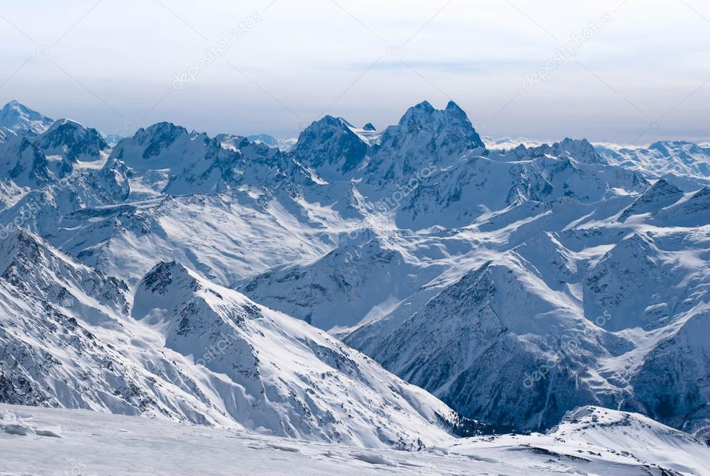 Montaña Nevada Hd: Altas Montañas Nevadas De Los Alpes