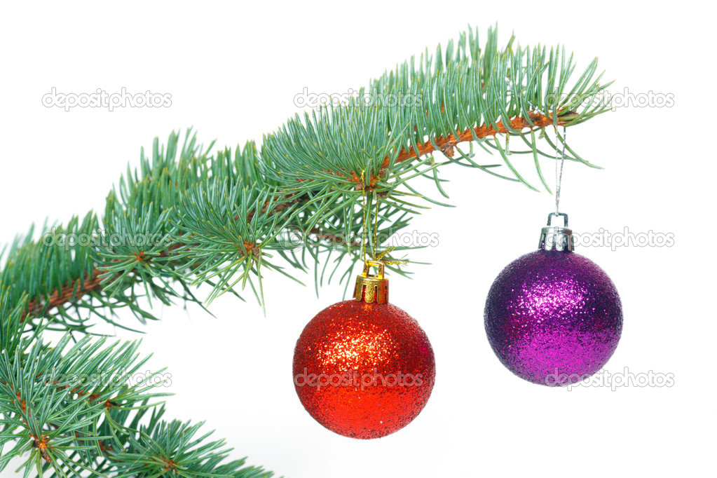 Bolas rojas y violetas en el rbol de navidad fotos de for Arbol de navidad con bolas rojas