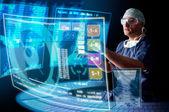 Fotografia medico con schermi
