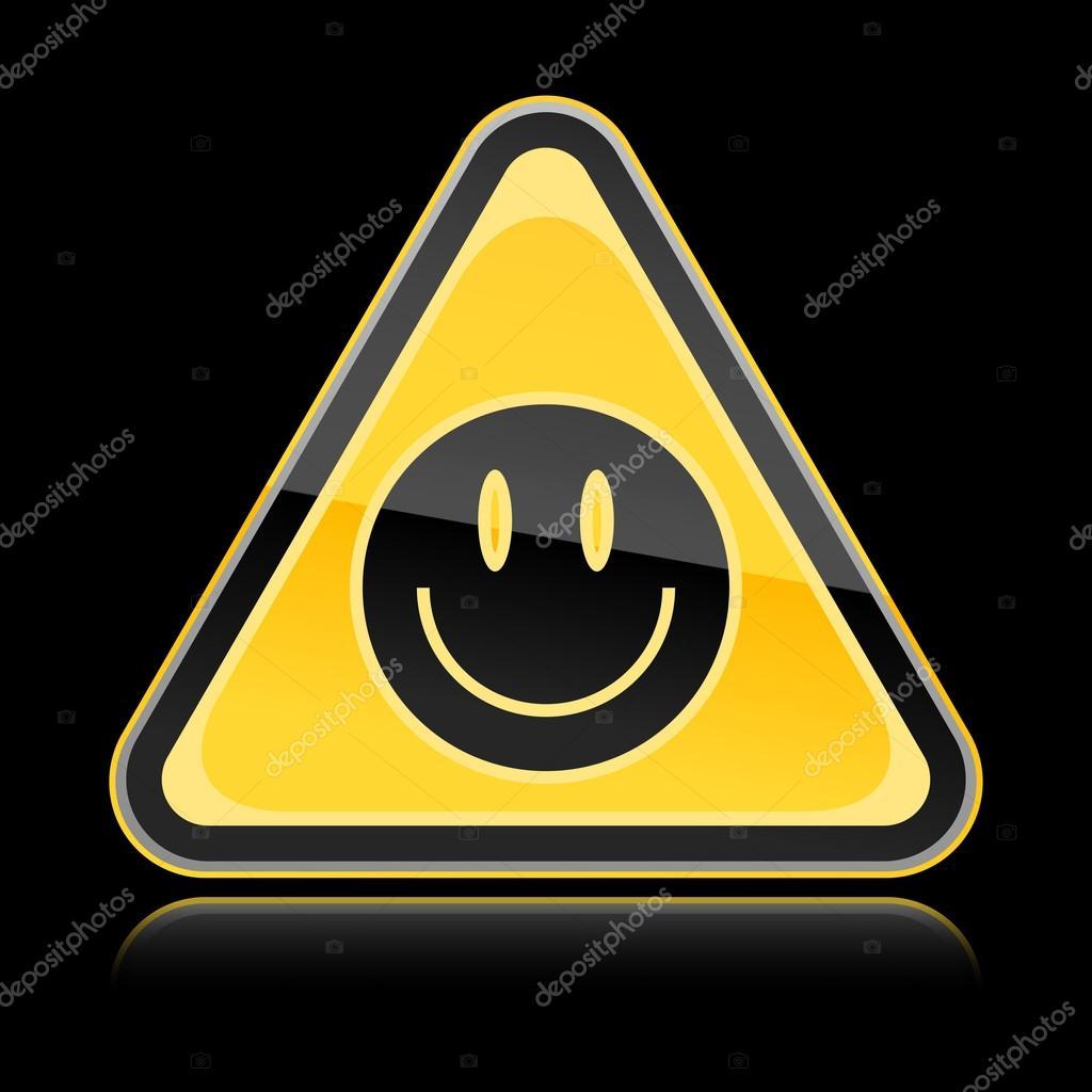 panneau de signalisation de danger jaune dor avec symbole visage smiley noir sur fond noir. Black Bedroom Furniture Sets. Home Design Ideas