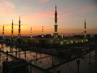 Nabawi Mosque, Medina, Saudi Arabia at dusk.