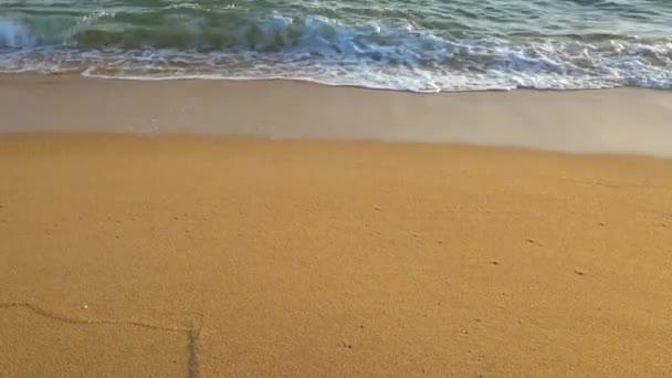 hullámok összeomlik