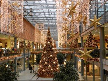 BERLIN, Dec. 18. Christmas decoration shopping center in Berlin