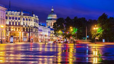 Palace Square in St. Petersburg (view of St. Isaac's Cathedral)