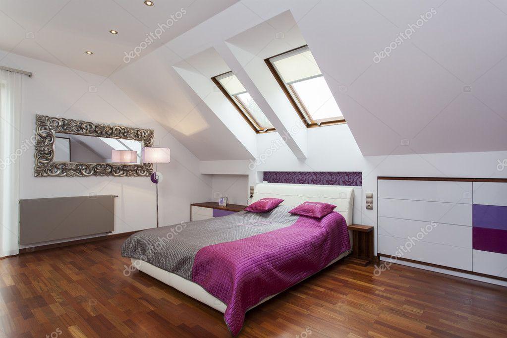 Schlafzimmer Im Dachgeschoss Stockfoto C Photographee Eu 26400889