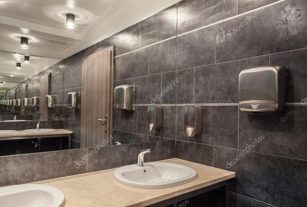 bos hotel - badkamer — Stockfoto © photographee.eu #26609415