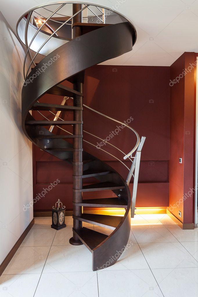 wendeltreppe in einem modernen luxus haus stockfoto 33669173. Black Bedroom Furniture Sets. Home Design Ideas