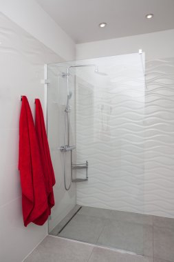 Cloudy home - modern shower
