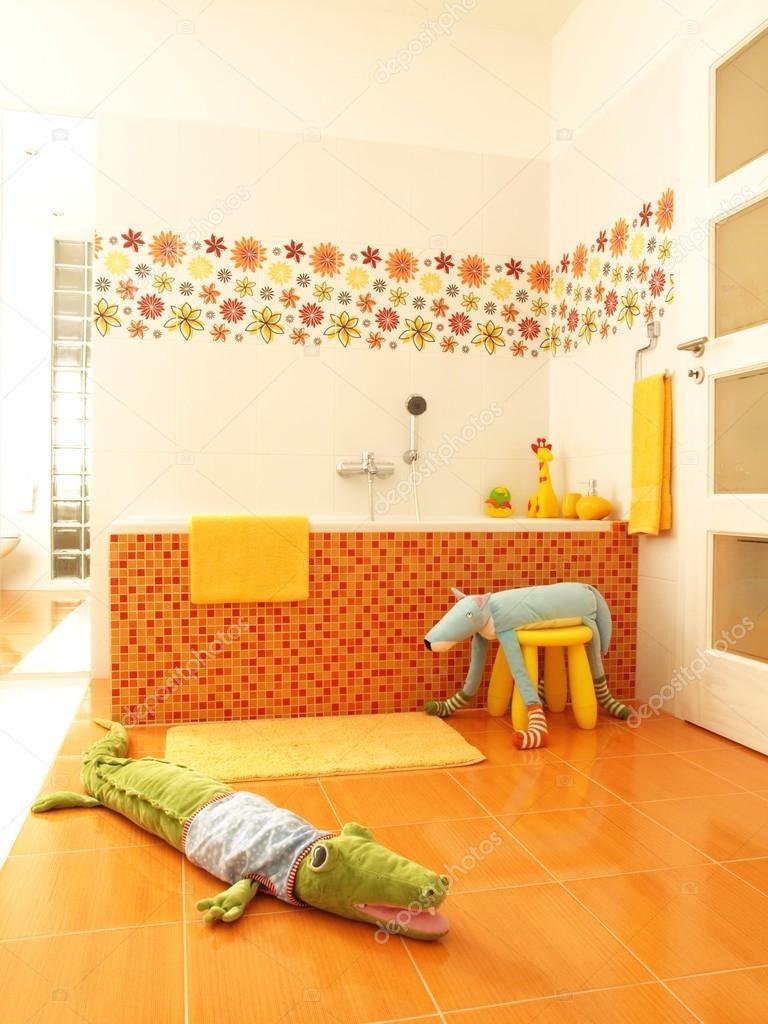 salle de bains enfants — Photographie photographee.eu ...