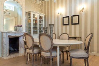 Vintage mansion - dining table