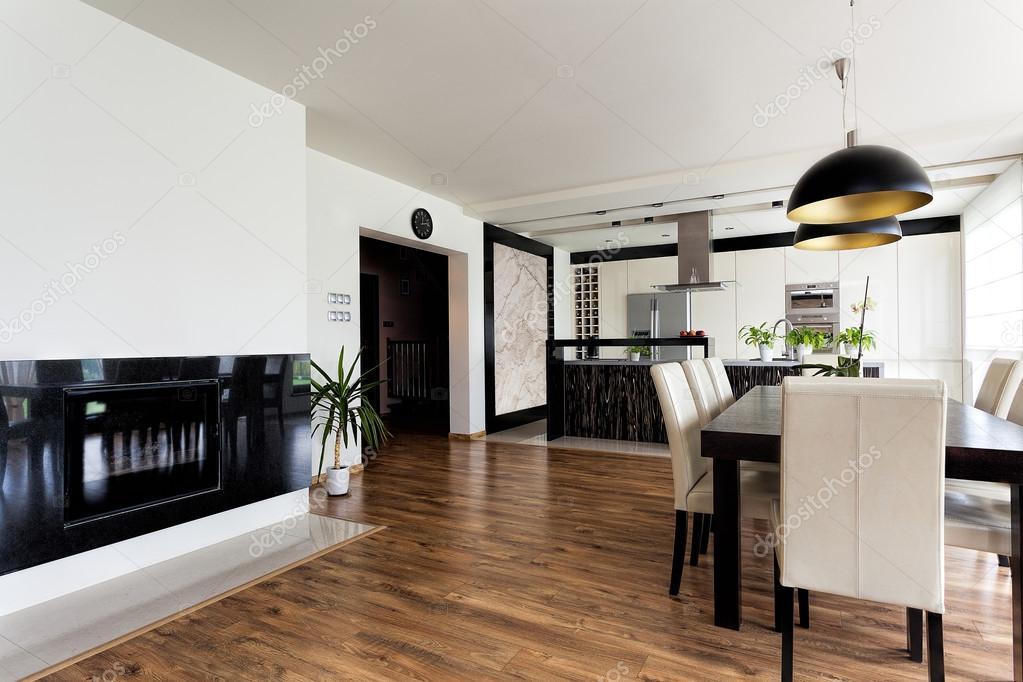 Innenausstattung wohnung  Wohnung - weiße und schwarze Innenausstattung — Stockfoto #37093537