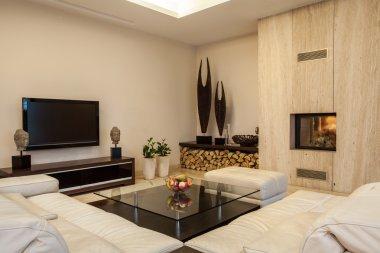 Travertine house: Interior creative solutions