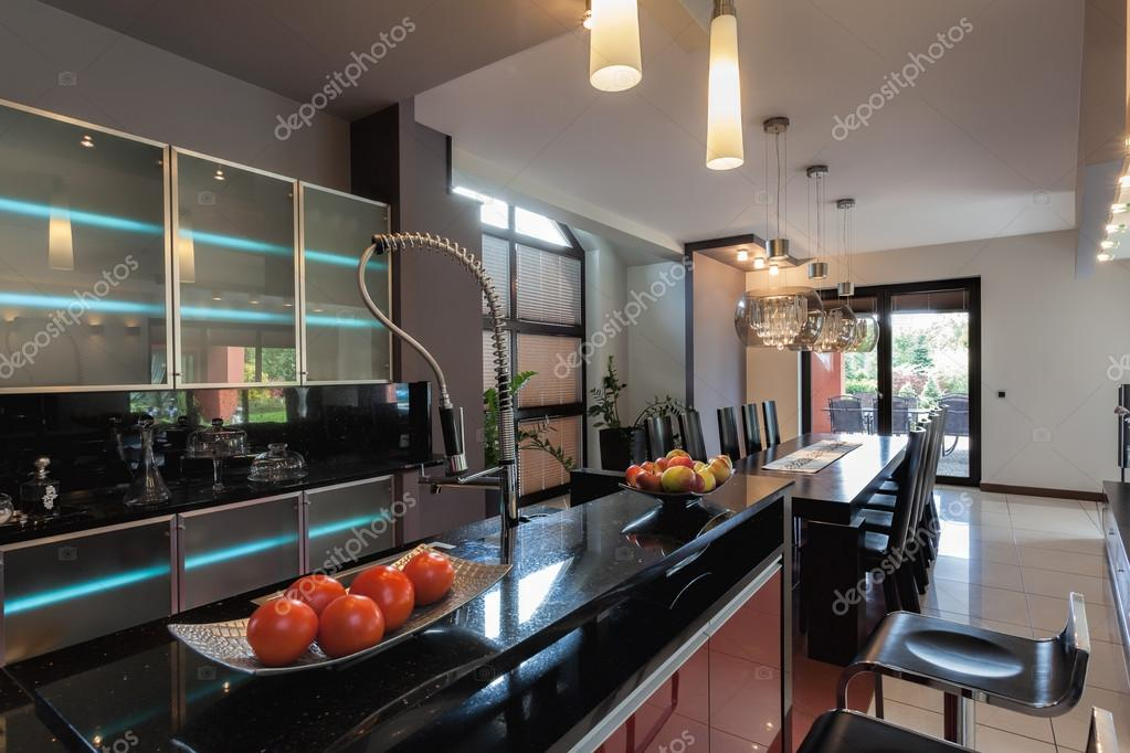 cucina con banco bar — Foto Stock © photographee.eu #41962999