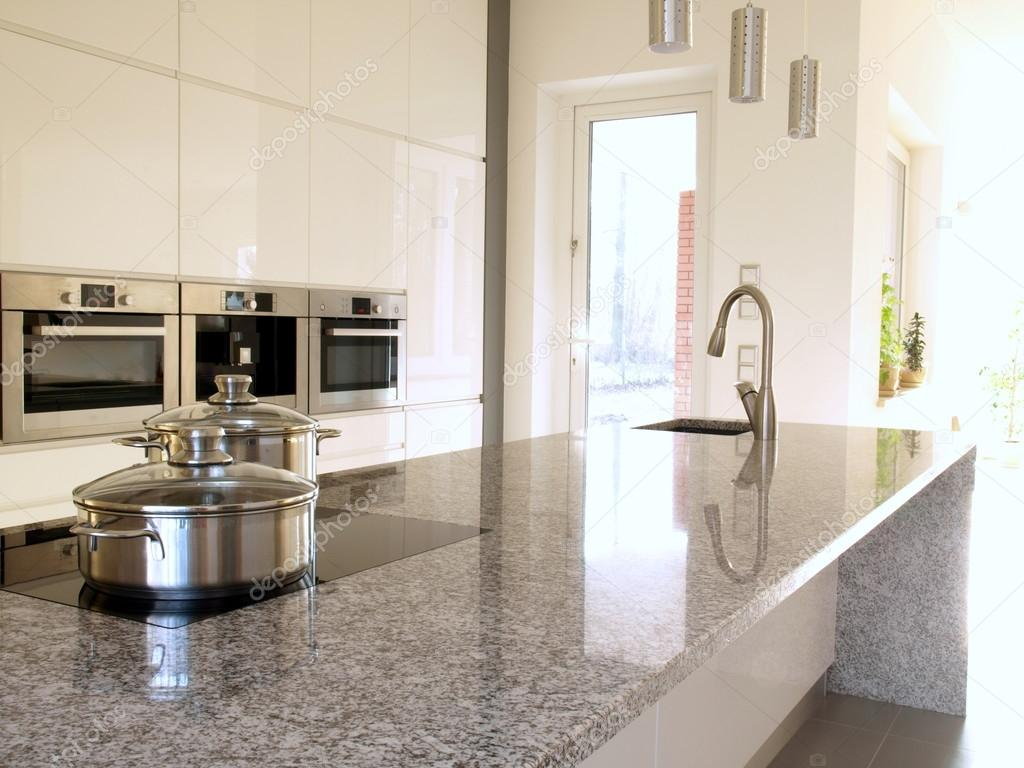 Modern kitchen with granite countertop — Stock