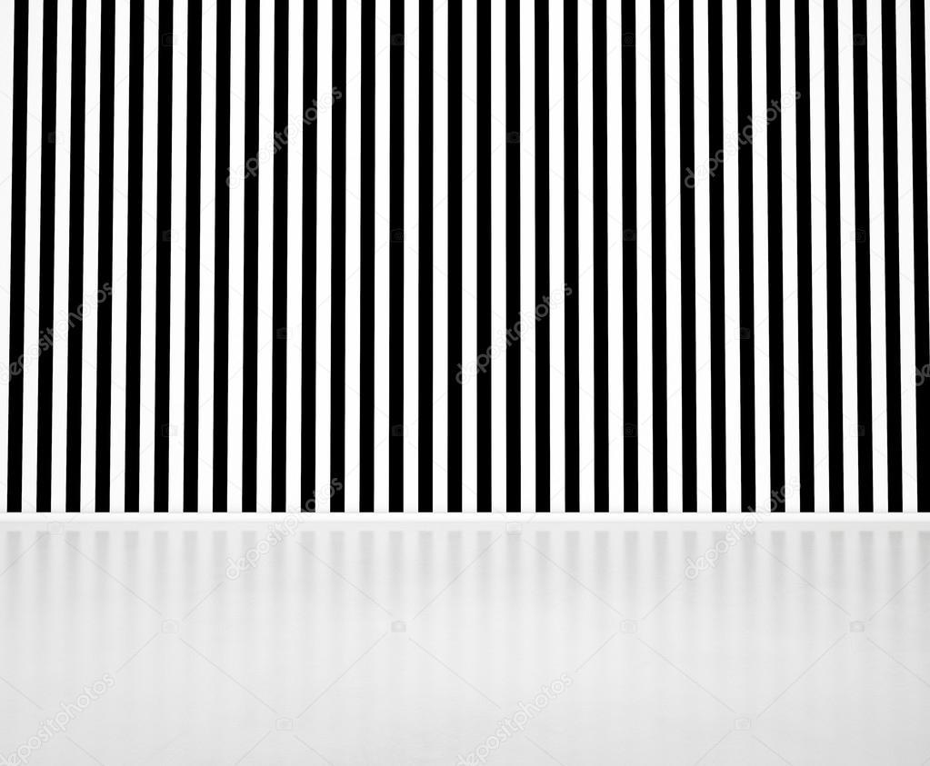 Pareti A Strisce Bianco E Nero : Parete a righe bianco e nero u2014 foto stock © kantver #29627899