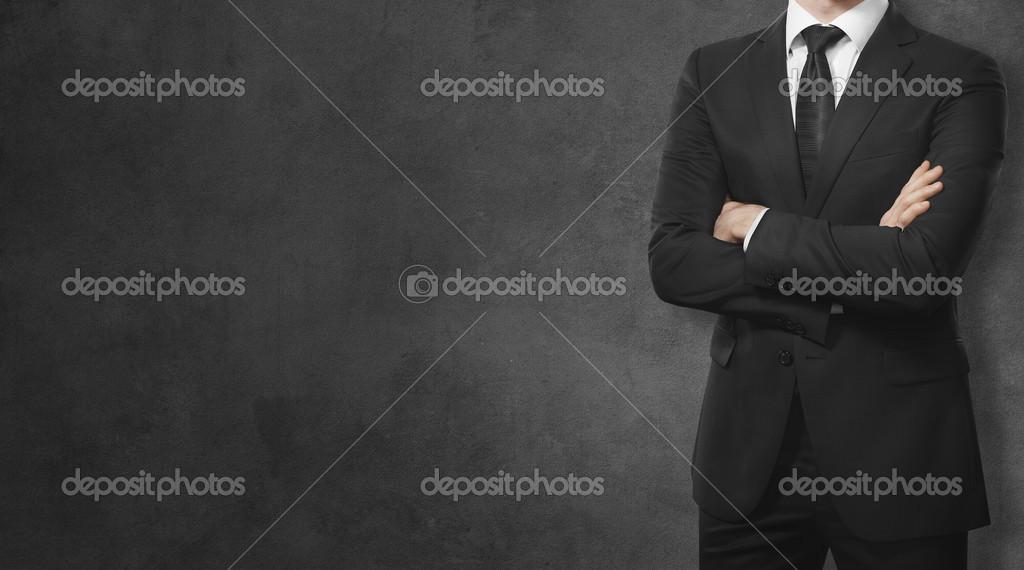 hombre en traje en un fondo negro — Fotos de Stock © kantver  30790175 3cadab04b59
