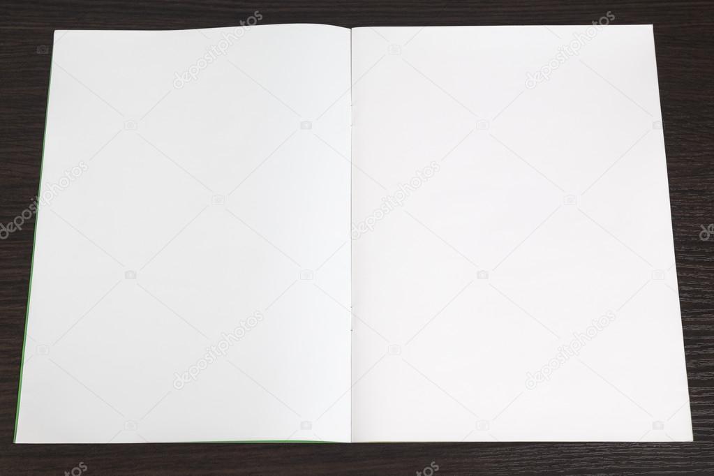 livro de desenho em branco, com páginas brancas e coloridas — Stock ...