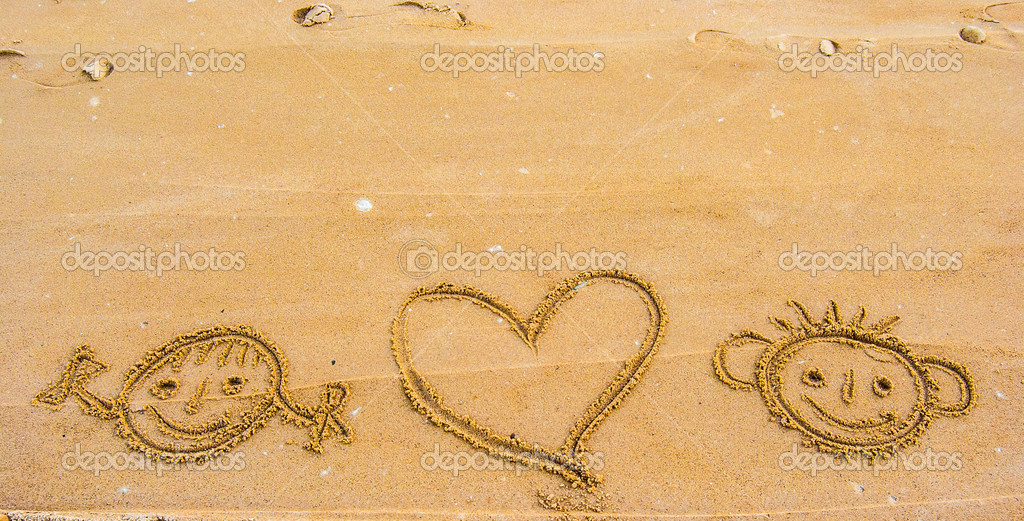 Смайлики на песке картинки