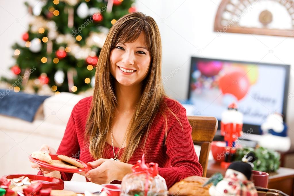 Weihnachten: Frau Spaß Verpackung Backwaren — Stockfoto © sjlocke ...