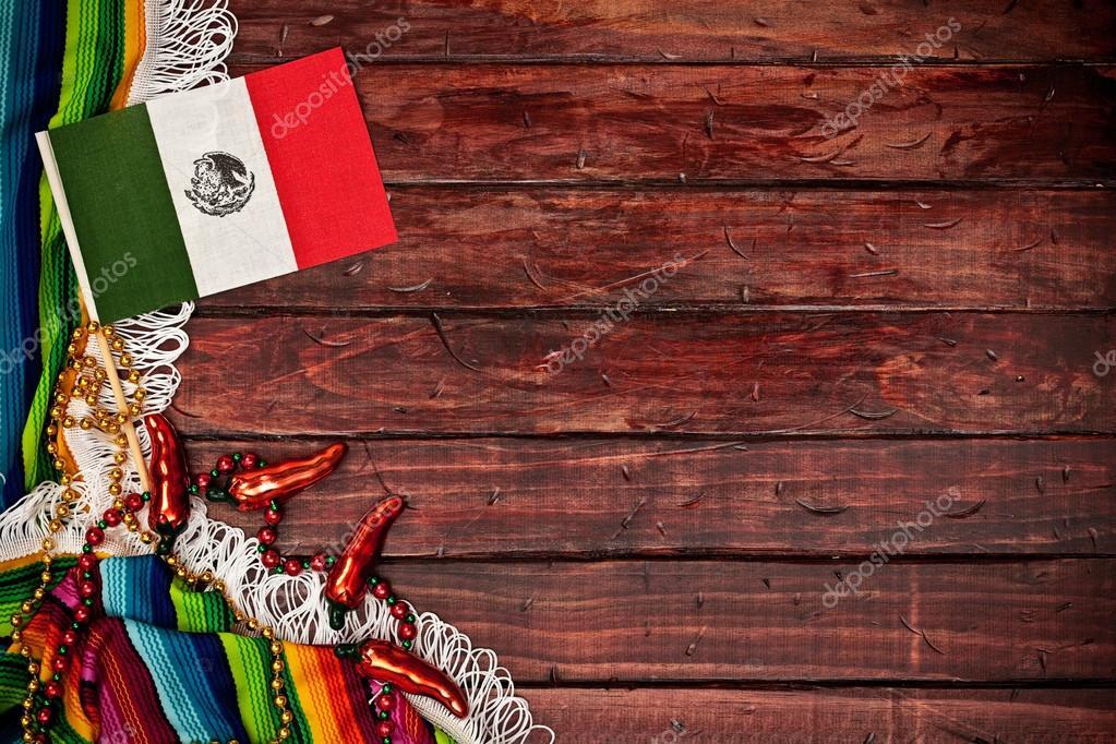 Fondo: Bandera Mexicana Sobre