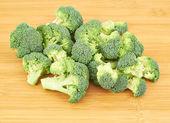 hromada kousků brokolice