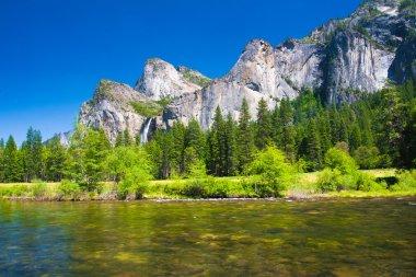 Bridal Veil Waterfalls in Yosemite National Park, California