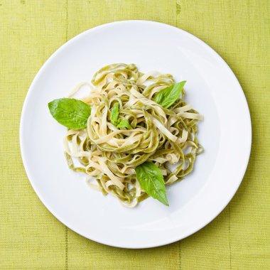 Spaghetti with basil