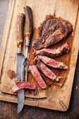 Fotografie Grilovaný hovězí steak ribeye