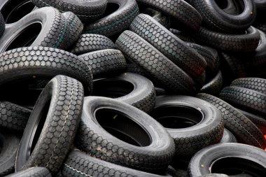 Chongqing Minsheng Logistics Auto Parts Warehouse reserves car tires