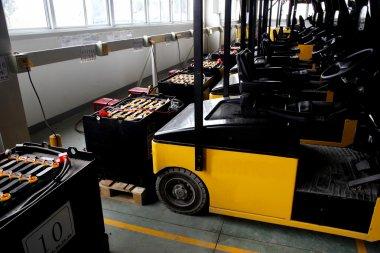 Chongqing Minsheng Logistics Auto Parts Warehouse car battery charging zone