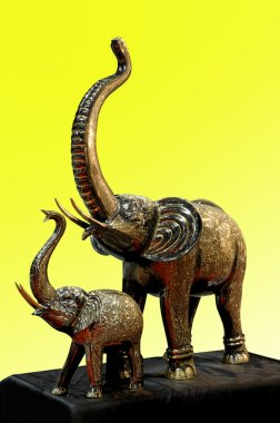 Imitation metal carved elephant mother and child pairs